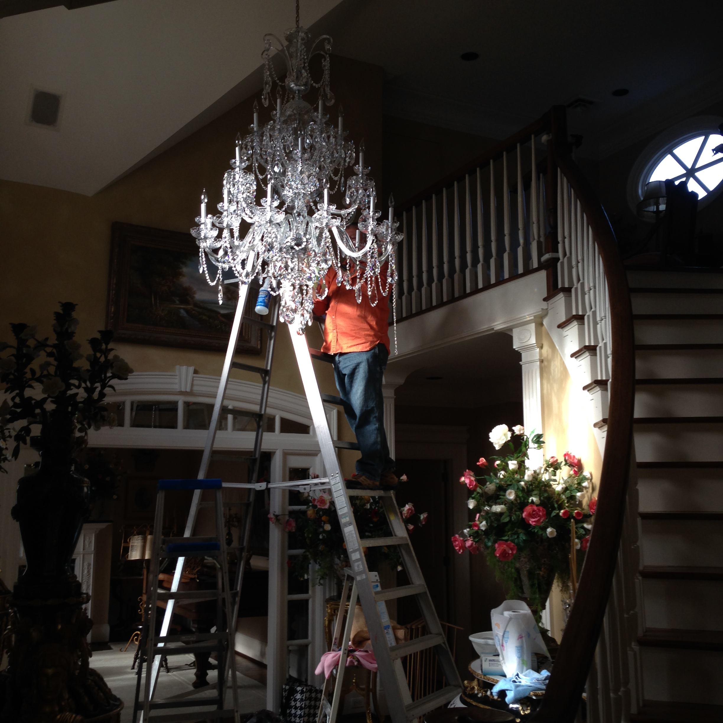 Chandelier Cleaning – Crystal Chandelier Cleaning